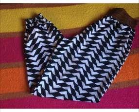 Pantalón de tela suave