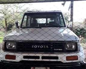 Toyota Land Cruiser 1992 diésel mecánico 4x4