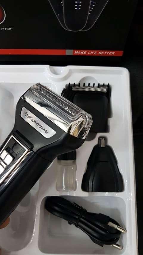 Afeitadora y corta pelo Gemei Pro 3 en 1 - 2