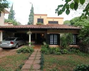 Casa en Barrio Recoleta zona Univ.San Carlos.