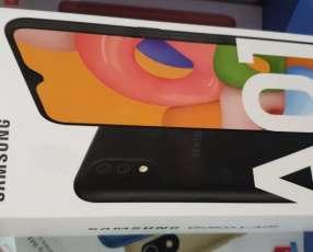 Samsung Galaxy A01 nuevo + antishok de regalo