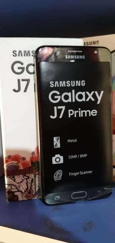 Samsung Galaxy j7 prime nuevo más protectores antishok de regalo - 0