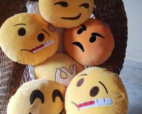 Almohadas emojis