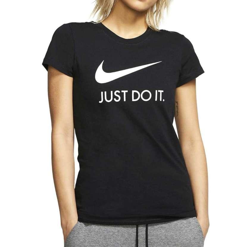 Remera Algodón Nike Damas - 0