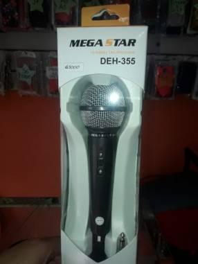 Micrófono con cable profesional Mega Star