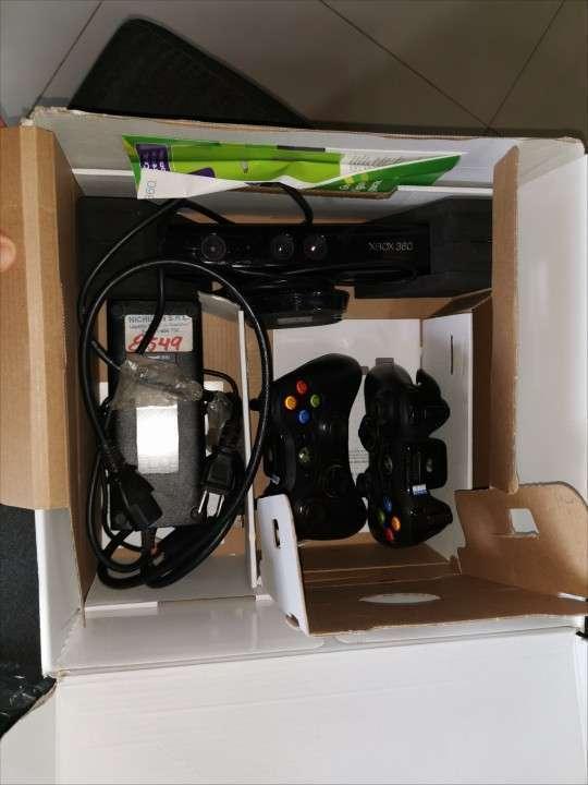 Xbox 360 con kinect desbloqueado - 1