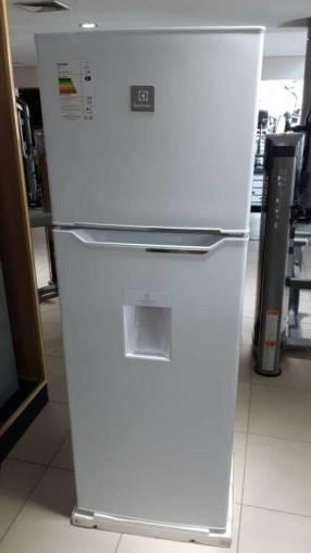 Heladera electrolux 450 litros