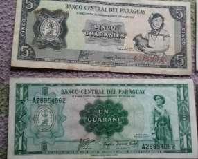 Billetes antiguos del Paraguay.