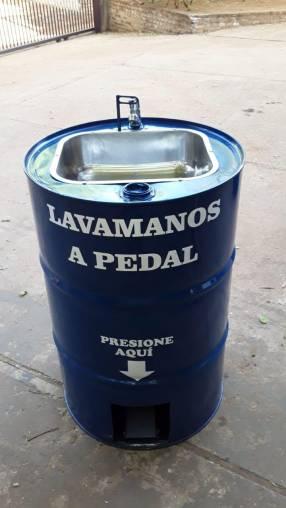 Lavamanos con pedal