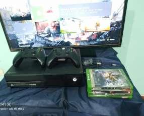 Xbox one impecable 2 controles y 4 juegos