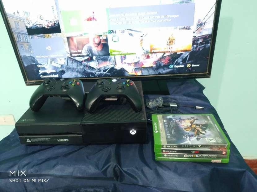 Xbox one impecable 2 controles y 4 juegos - 0