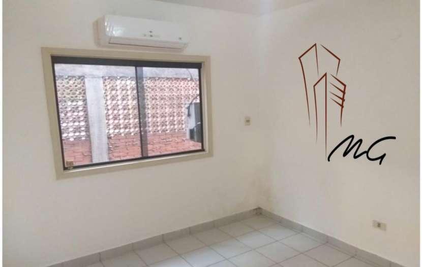 Departamento de 2 dormitorios zona Ykua Sati - 3