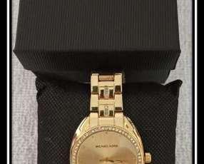 Reloj MK para dama *Viene de regalo Reloj Smart + Auricular