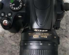 Camara Nikon D5000