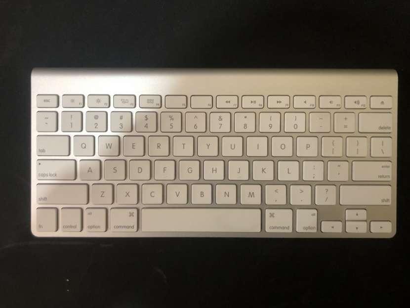 MiniMac con teclado y mouse touch - 2