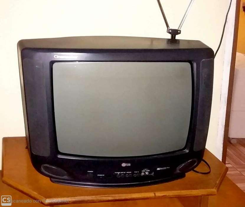 Tv LG 20 pulgadas - 1