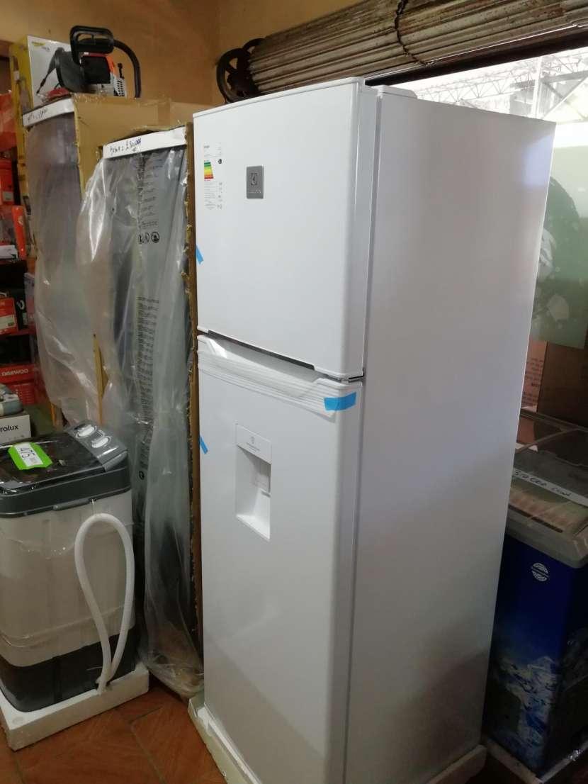 Heladera electrolux 450 litros comercial blanco frío húmedo - 3