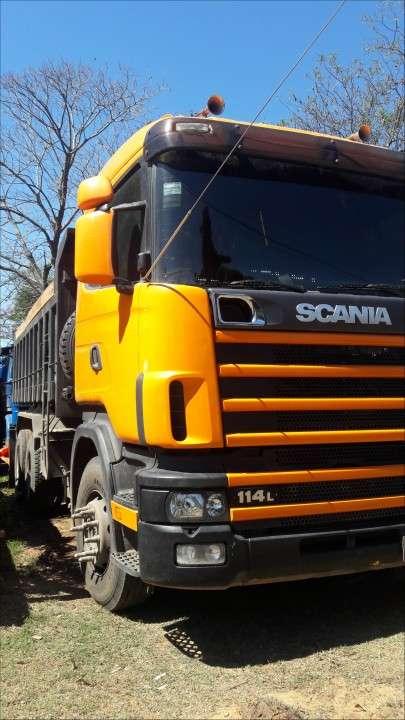 Camiones por mes o carga - 5