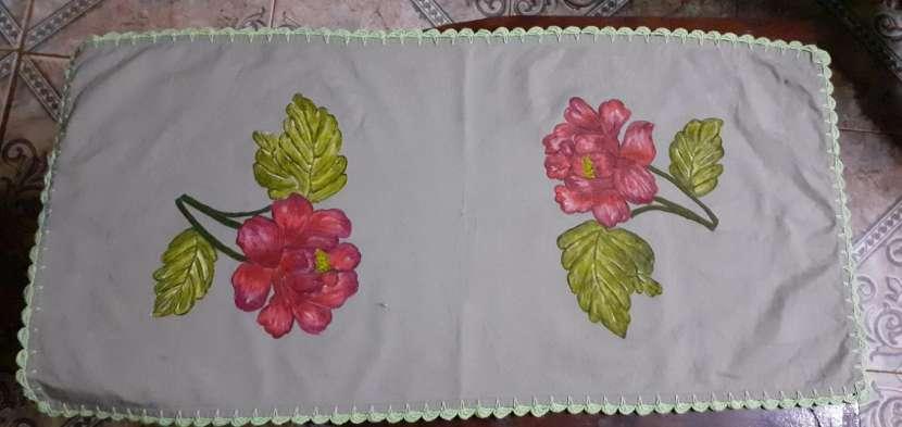Manteles mantelitos de todo tamaño con diseños y/o con crochet - 1