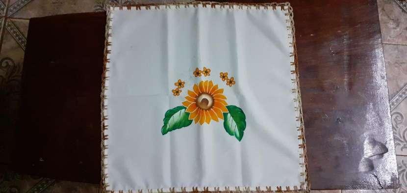 Manteles mantelitos de todo tamaño con diseños y/o con crochet - 2