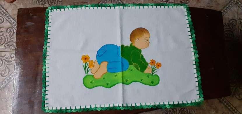 Manteles mantelitos de todo tamaño con diseños y/o con crochet - 4