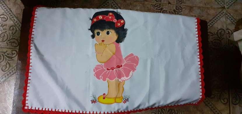 Manteles mantelitos de todo tamaño con diseños y/o con crochet - 6