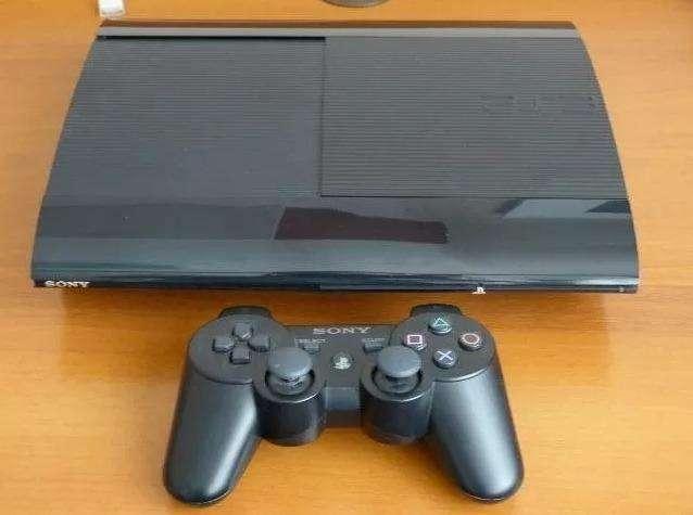 PS3 con 1 control + 3 juegos - 0