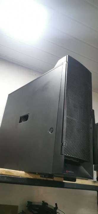 CPU gabinete torre - 0