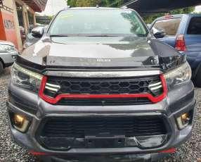 Toyota Hilux Prestige Limited 2018 motor 2.8 turbo diésel automático 4x4
