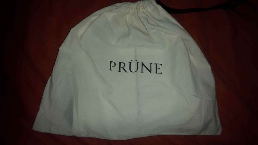 Cartera Prune color blanco, sin ningun uso - 1