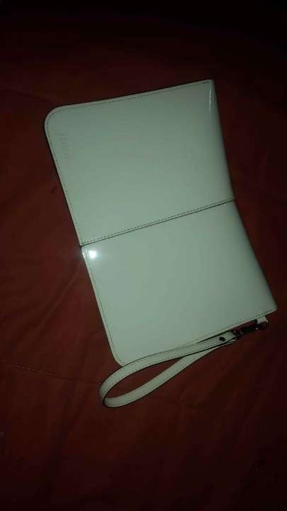 Cartera Prune color blanco, sin ningun uso - 2