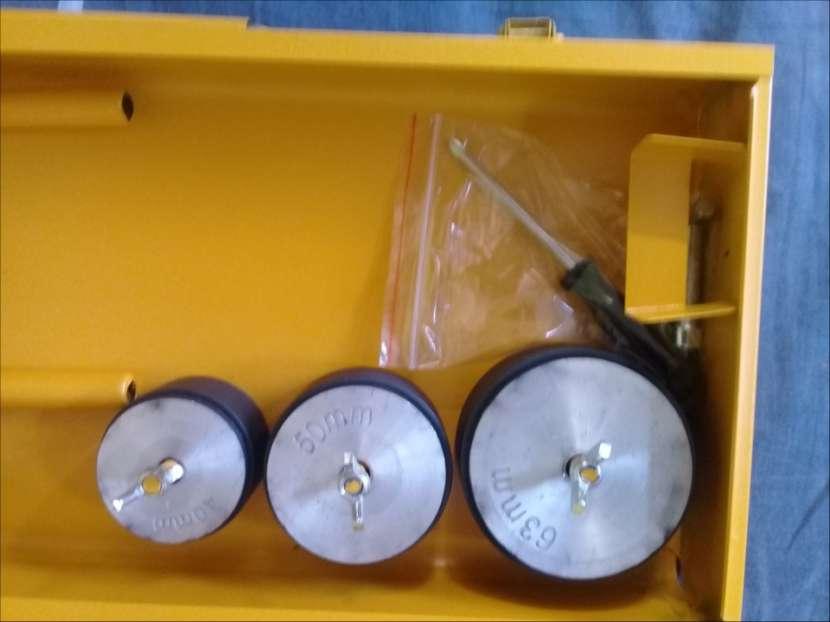 Soldador de termofusión eléctrico 800 watts para caños - 4