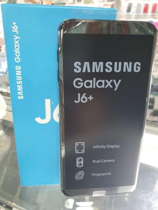 Samsung Galaxy J6 Plus nuevo en caja - 0