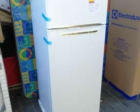 Heladera electrolux 300 litros comercial blanco