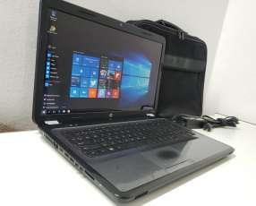 Notebook hp g7 de 17 pulgadas con maletín