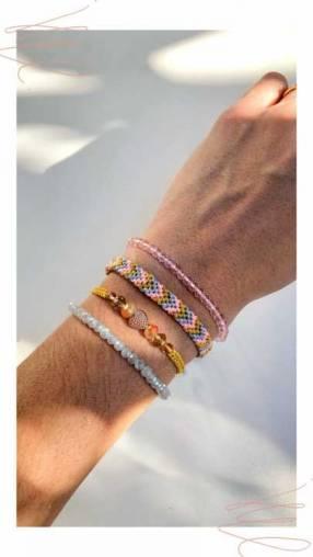 Mix de pulseras multicolor