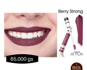 Mary Kay At Play labial líquido mate Berry Strong