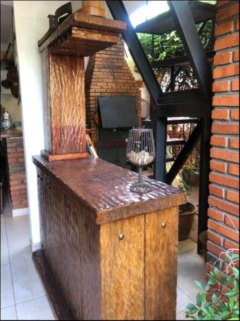 Bar de Cedro macizo lustrado - 2