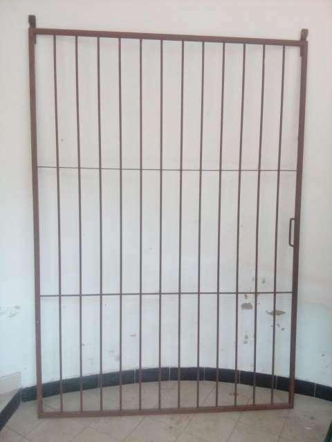 Puerta de hierro - 0