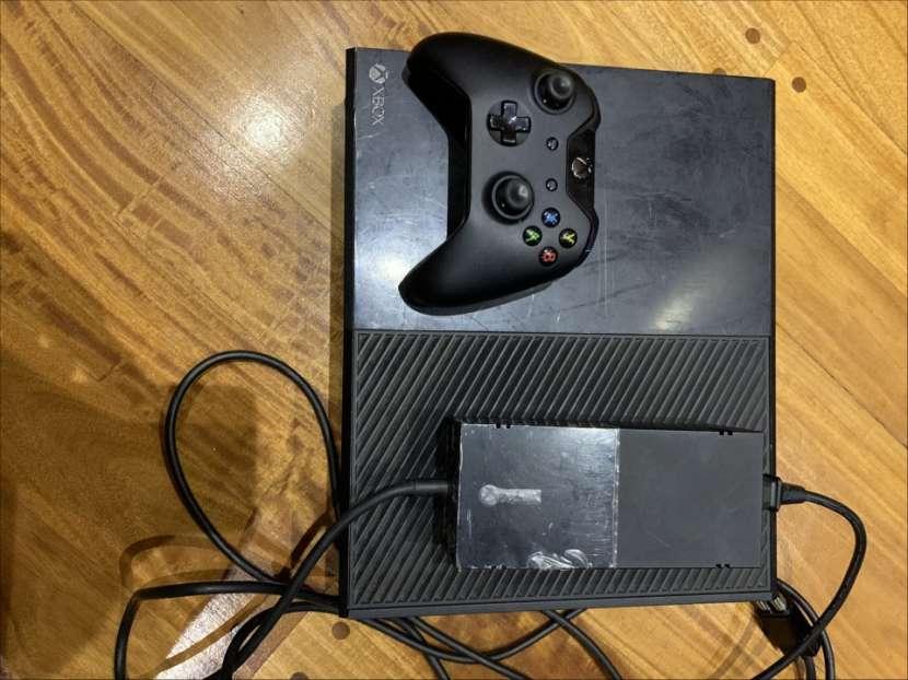 Xbox One 500 gb con 2 juegos y un control - 3