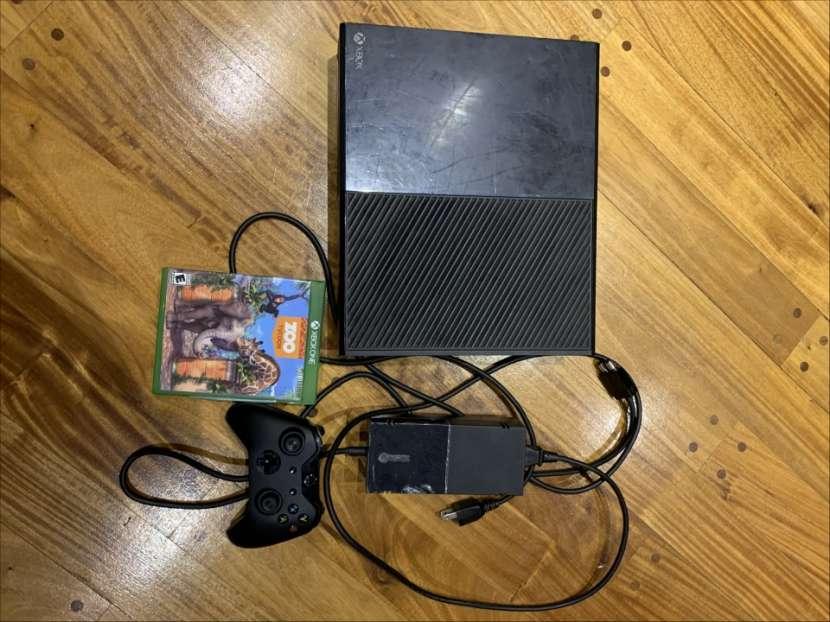 Xbox One 500 gb con 2 juegos y un control - 1
