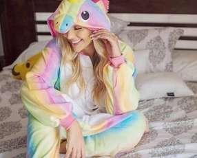 Pijama de unicornio talle M