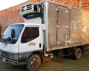Mitsubishi Canter 2002 furgón refrigerado hasta 5.000 kilos