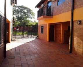 Duplex en San Lorenzo zona Luna Dorada barrio Miraflores