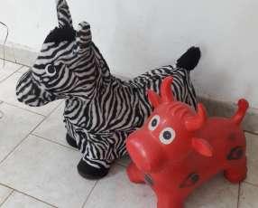 2 juguetes inflables para criatura