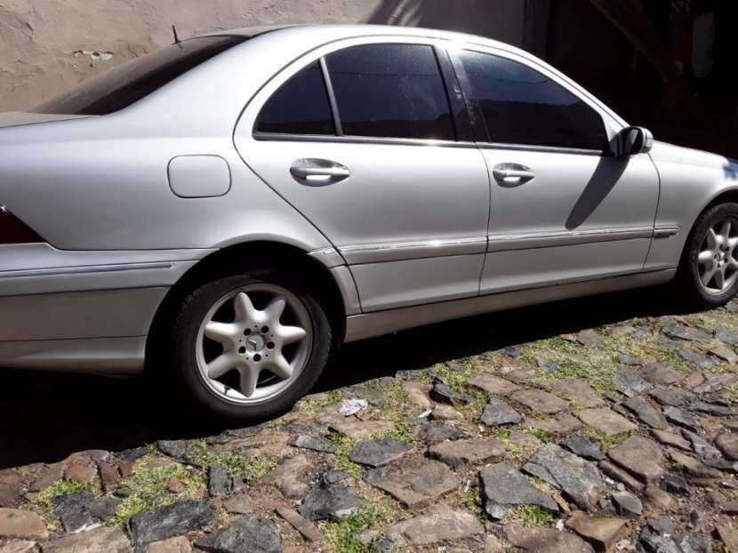 Mercedes Benz C270 CDI 2002 diésel automático - 3