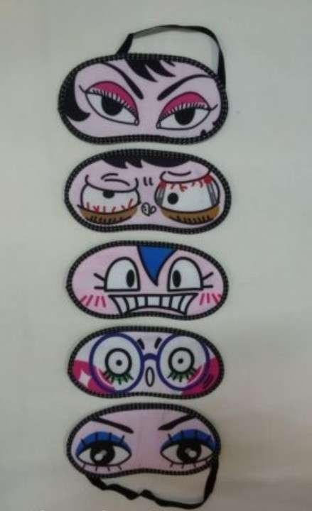 Tapa ojo con ojos de caricaturas - 0