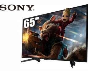 """Televisor Smart Led Sony de 65"""" 4K."""