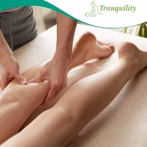 Reflexología masaje en pies y piernas