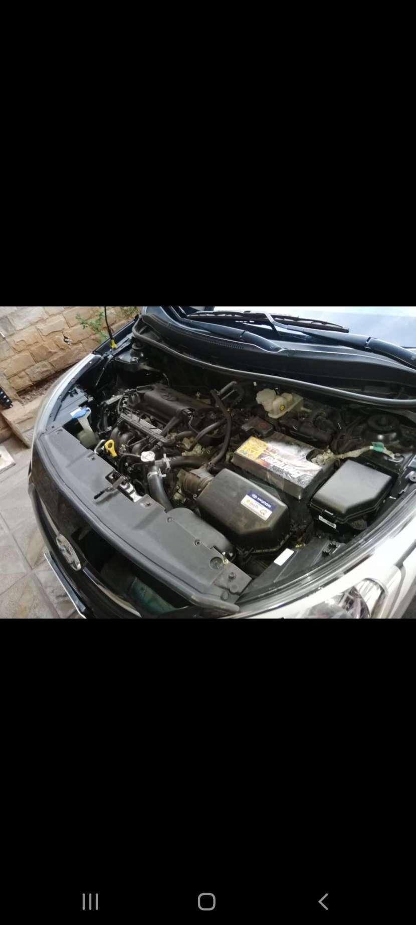 Hyundai Accent GLS 2016 automático - 1